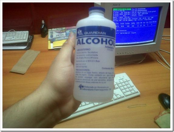 02 Alcohol isopropilico para limpiar pasta térmica