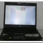 Mi portátil Acer TravelMate tiene la pantalla con rayas de colores… ¿Cómo la reparamos?